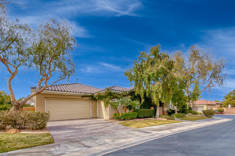 1558_1306_property_01-exterior-front-extra-mls-1--20210326022036.JPG