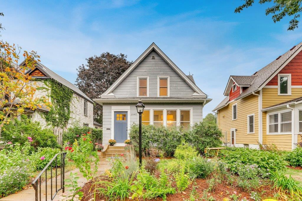 441_411_property_3149-22nd-ave-south-print-001-1-exterior-front-3600x2400-300dpi-20180920080339.jpg
