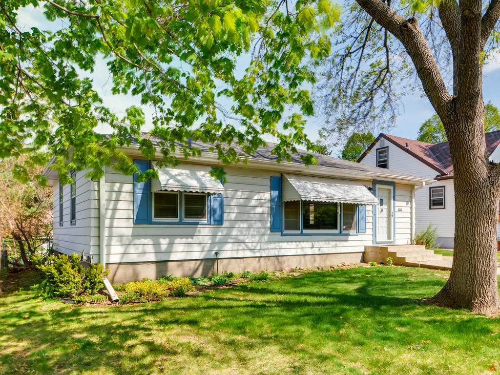441_686_property_5533-knox-ave-south-001-13-exterior-front-mls-size-20190521103526.jpg