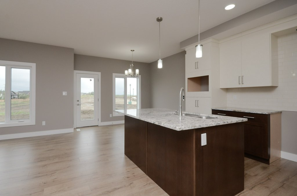 596_329_property_a1-kitchen-20180615113945.jpg